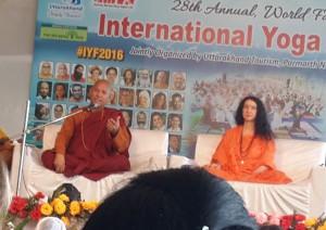 H.H. Ven Bhikku Sanghasenaji ve Sadhvi Bhagawati Saraswati