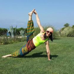 yoga yap ve hep gülümse